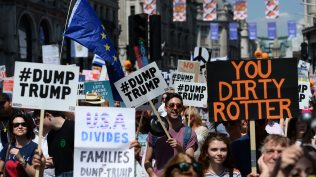 see-the-homemade-protest-placards-held-aloft-as-trump-visits-the-uk-136428358635802601-180713172044